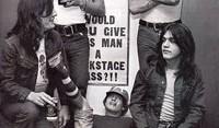 Αφιέρωμα AC/DC: Μαζική ηλεκτροπληξία για προβληματικά παιδιά