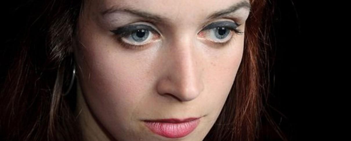 «10»: Λόγοι να λατρέψεις την Julie Christmas