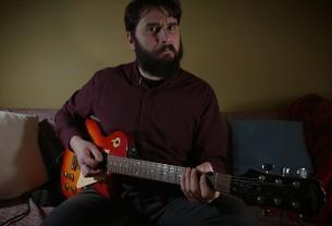 «10»: Τα αγαπημένα κιθαριστικά σόλο του Πάρι Ρούπου