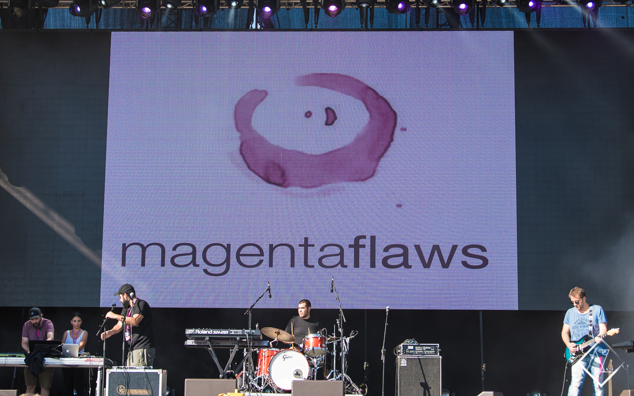 Magenta Flaws