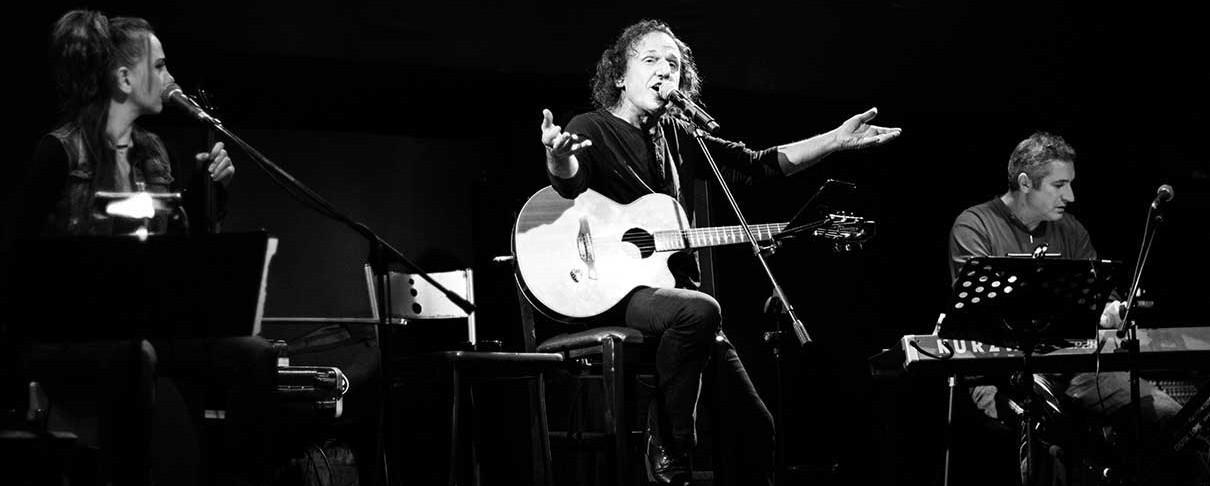 Βασίλης Παπακωνσταντίνου «Οι Φωνές Των Ποιητών» @ Σταυρός Του Νότου, 28/11/16