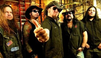 """Hellyeah Interview with Tom Maxwell: """"In the post-Darrell world, when someone jumps up on stage you don't know what his intentions are"""""""