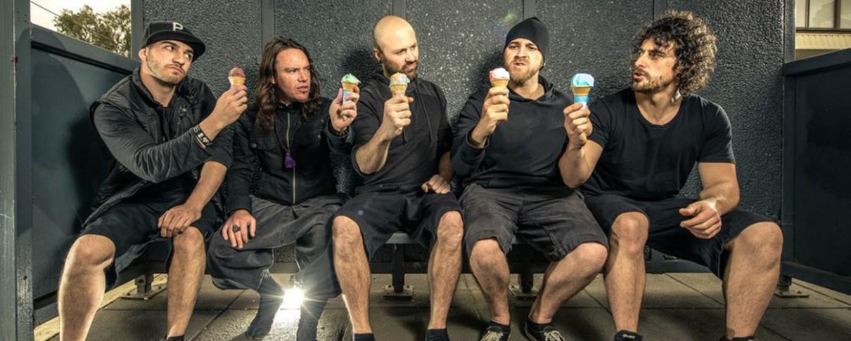Twelve Foot Ninja: «Το χιούμορ θα είναι πάντα αναπόσπαστο κομμάτι της μπάντας»