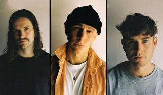Black Foxxes: «Η μουσική που γράφουμε είναι δεδομένο ότι θα διχάζει»