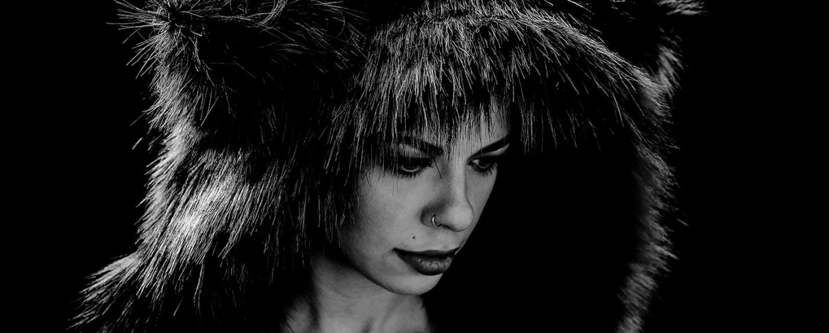 Angelika Dusk και Inconsistencies τα opening acts για τις συναυλίες της Kovacs