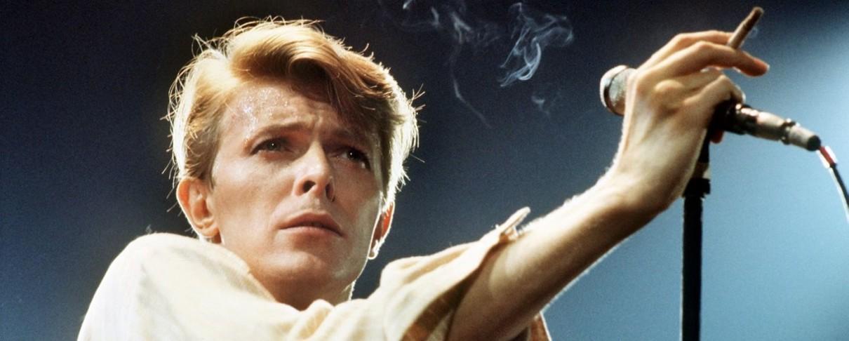 Michael Stipe, Tony Visconti και πολλοί άλλοι σε tribute video για τον David Bowie