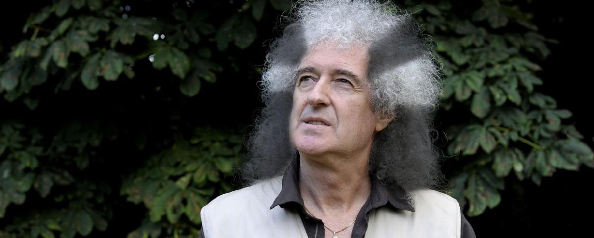 Ο Brian May ακυρώνει συναυλίες λόγω «επίμονης ασθένειας» και αποσύρεται σε μυστική τοποθεσία