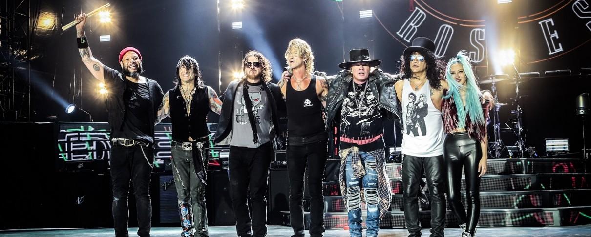 Υπό κράτηση οι Guns N' Roses για οπλοκατοχή