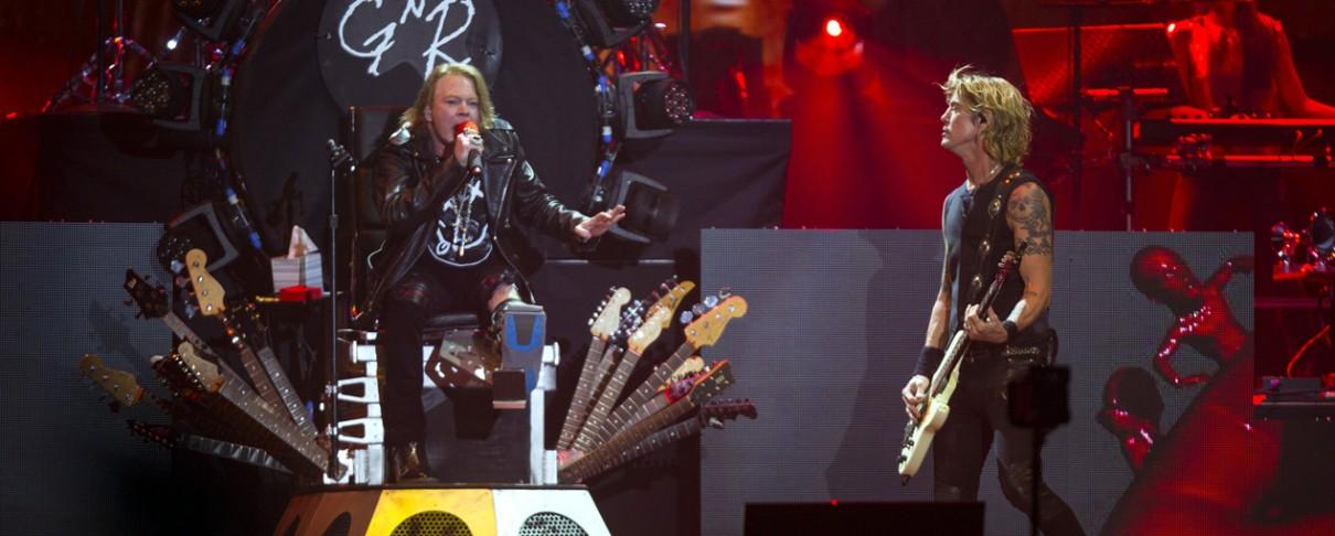 Oι Guns N' Roses αφιέρωσαν τη συναυλία τους στη μνήμη του Prince