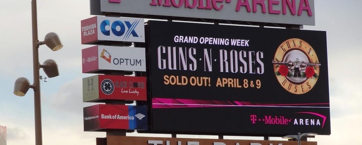 """Πόσα είναι τα κέρδη των Guns N' Roses από την """"Not In This Lifetime Tour"""";"""