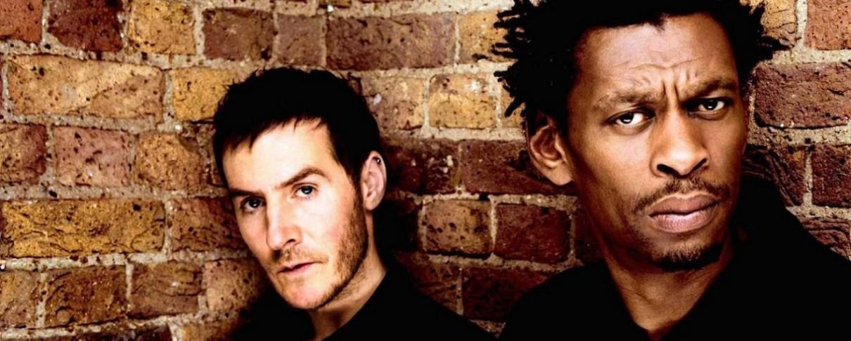 Οι Massive Attack μας κρατούν σε μόνιμη επαγρύπνηση