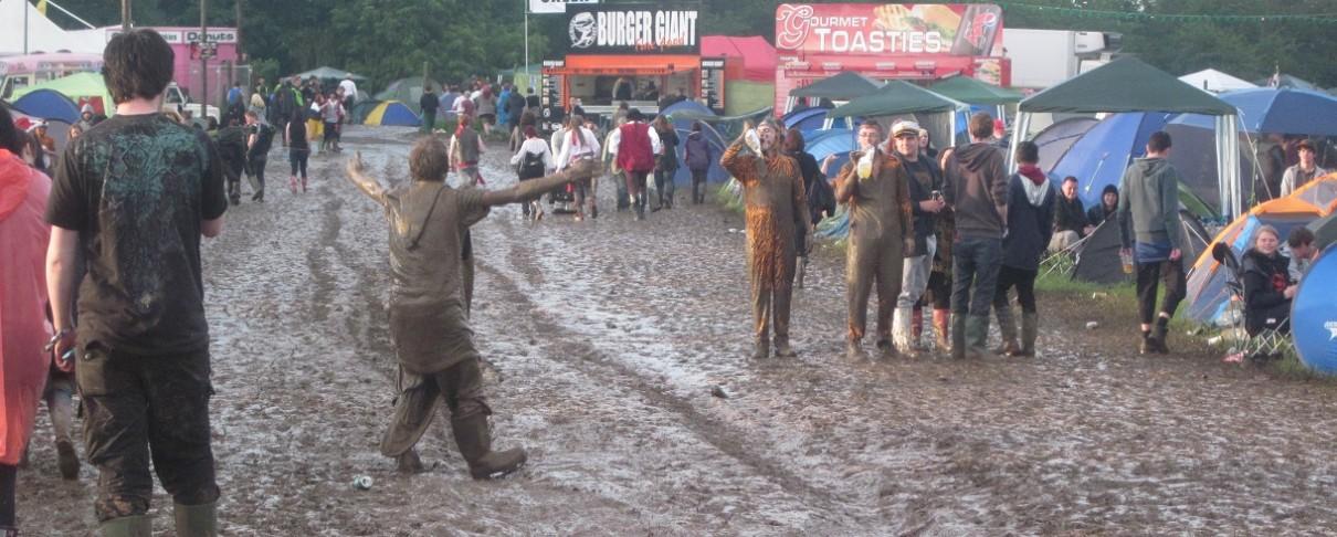 Χορεύοντας στην …λάσπη (video)