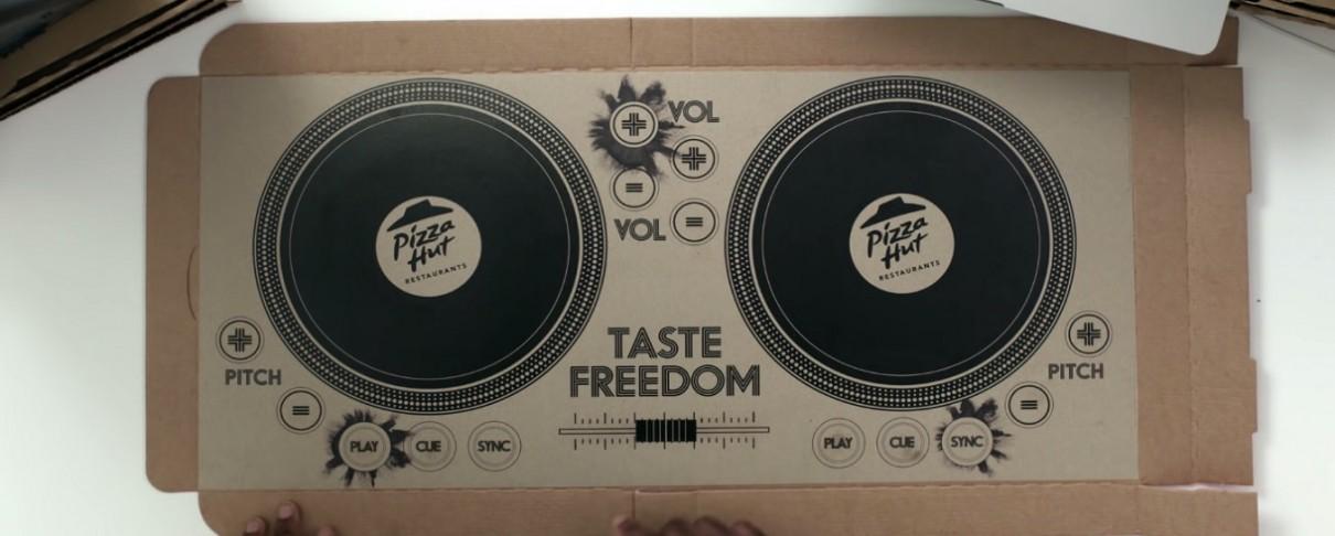 Παίξε μουσική με το κουτί πίτσας