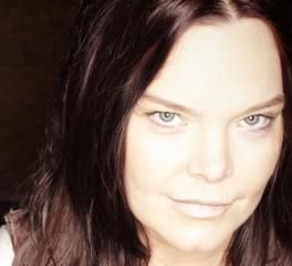 Βίαιη επίθεση δέχθηκε η πρώην τραγουδίστρια των Nightwish