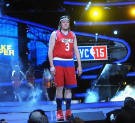 Οι Arcade Fire, οι Vampire Weekend και οι Strokes παίζουν …μπάσκετ