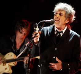 Ο Bob Dylan διασκευάζει Frank Sinatra