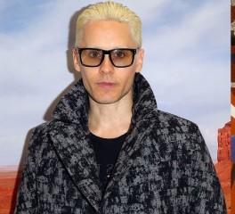Ο τραγουδιστής των 30 Seconds To Mars γίνεται ο Andy Warhol