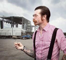Οι ιδιοκτήτες του Bataclan απαγορεύουν την είσοδο στους Eagles Of Death Metal