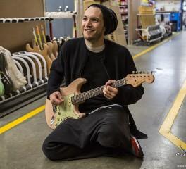 Ο Josh Klinghoffer των Red Hot Chili Peppers χαρακτηρίζει «ηλίθιους» όσους τον συγκρίνουν με τον John Frusciante