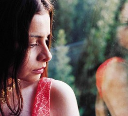 Νέος δίσκος για την Hope Sandoval των Mazzy Star μετά από επτά χρόνια