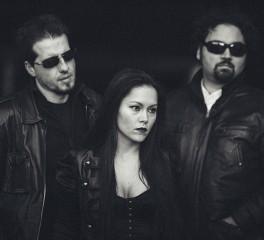 """Οι The Rockin' Dead παρουσιάζουν το ντεμπούτο τους """"Here Comes The Darkness"""""""