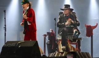 Βίντεο από την πρώτη συναυλία των AC/DC με τον Axl Rose