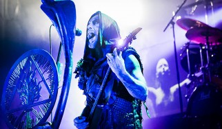 Behemoth και Dying Fetus σκόρπισαν τις στάχτες οπαδού σε συναυλίες τους