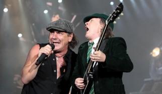 «Ο Brian Johnson νιώθει πως οι AC/DC τον πέταξαν στο δρόμο»