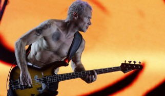 Flea: «Το ροκ είναι μια νεκρή υπόθεση»