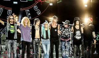 Περισσότερες από 30 συλλήψεις σε συναυλία των Guns N' Roses