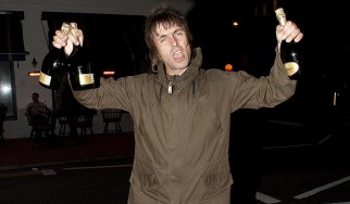 """Ο Liam Gallagher τραγουδά το """"Wonderwal""""  μαζί με fans στη Μάλτα (video)"""