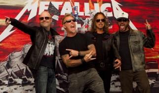 Fans κατακλύζουν fast food νομίζοντας πως παίζουν live οι Metallica