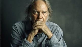 Kαμπάνια ζητά από τον Neil Young να αλλάξει το επίθετό του!