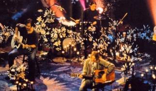 """Γιατί οι Nirvana διάλεξαν το """"The Man Who Sold the World"""";"""