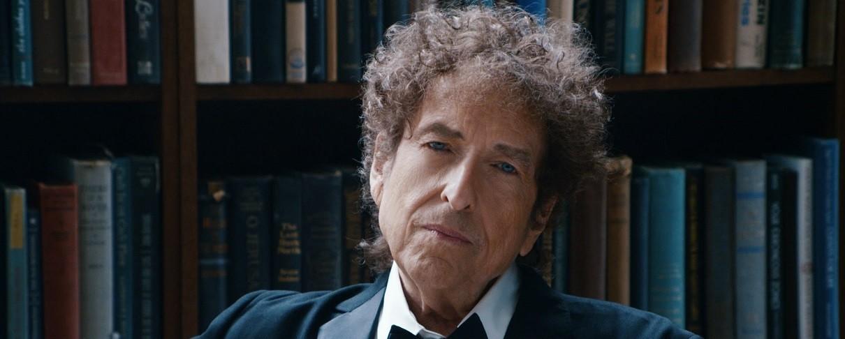 Ο Bob Dylan παραλαμβάνει, εν τέλει, το βραβειο Νόμπελ…