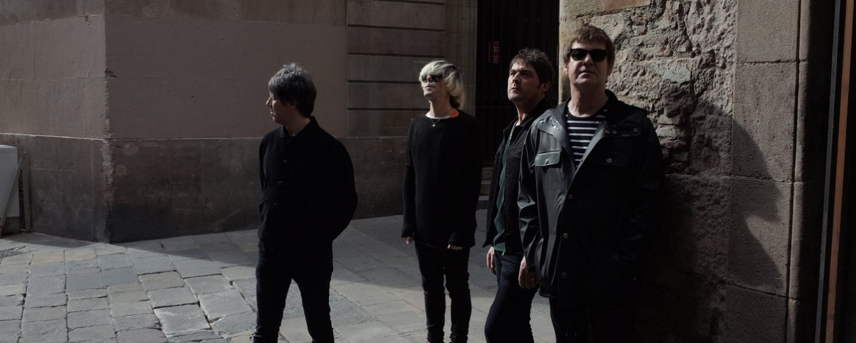 Οι Charlatans ανακοινώνουν νέο άλμπουμ με τη συμμετοχή των Paul Weller και Johnny Marr