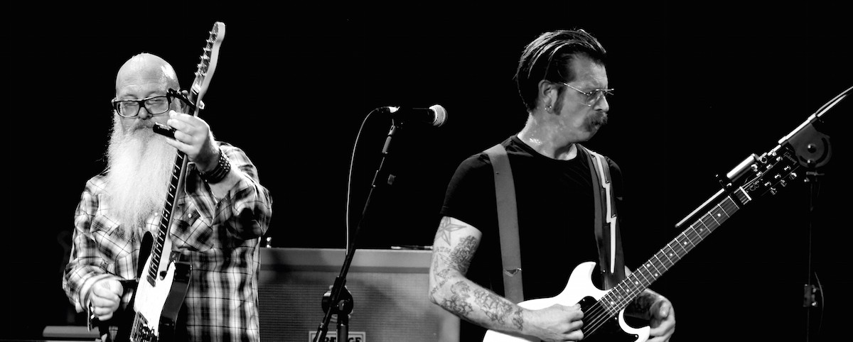 Ο Brent Hinds των Mastodon παίρνει συνέντευξη από τους Eagles Of Death Metal