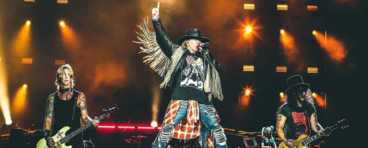 Τα κέρδη ανεβαίνουν για τους Guns N' Roses