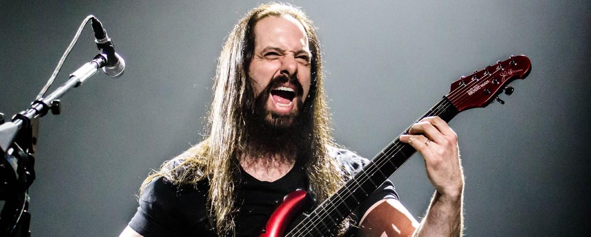 John Petrucci: «Συμπαθώ τον Donald Trump»