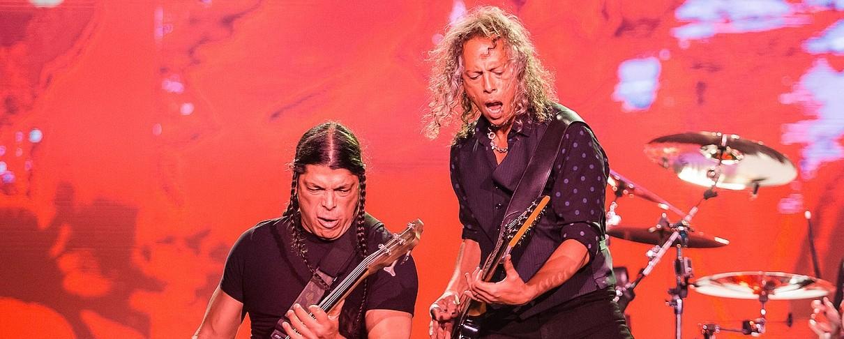Οι Metallica στο Birmingham διασκευάζουν... Black Sabbath (video)