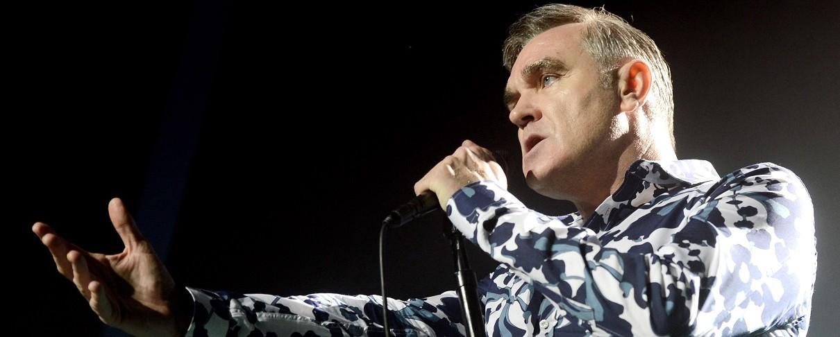 O Morrissey «περνάει τη μέρα του στο κρεβάτι»…