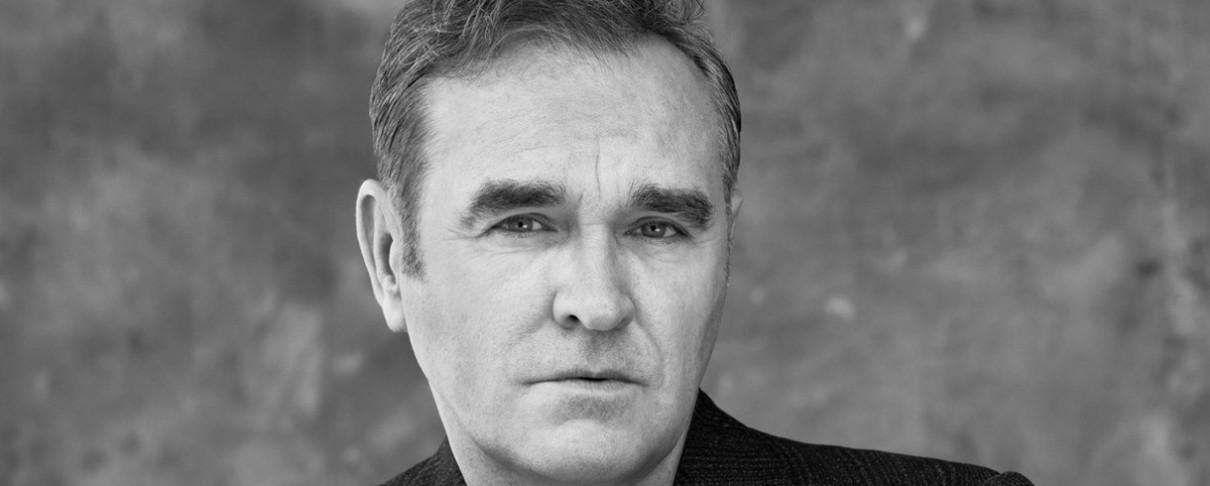 """Ένα παράξενο video για το """"Spent The Day In Bed"""" του Morrissey"""