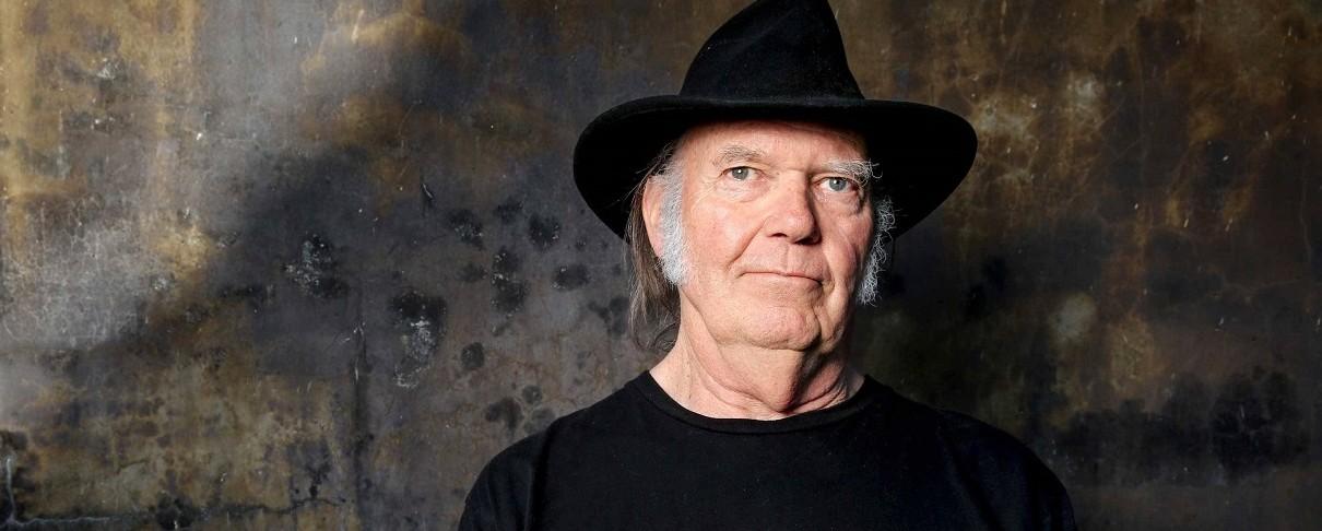 Ο «επισκέπτης» Neil Young…