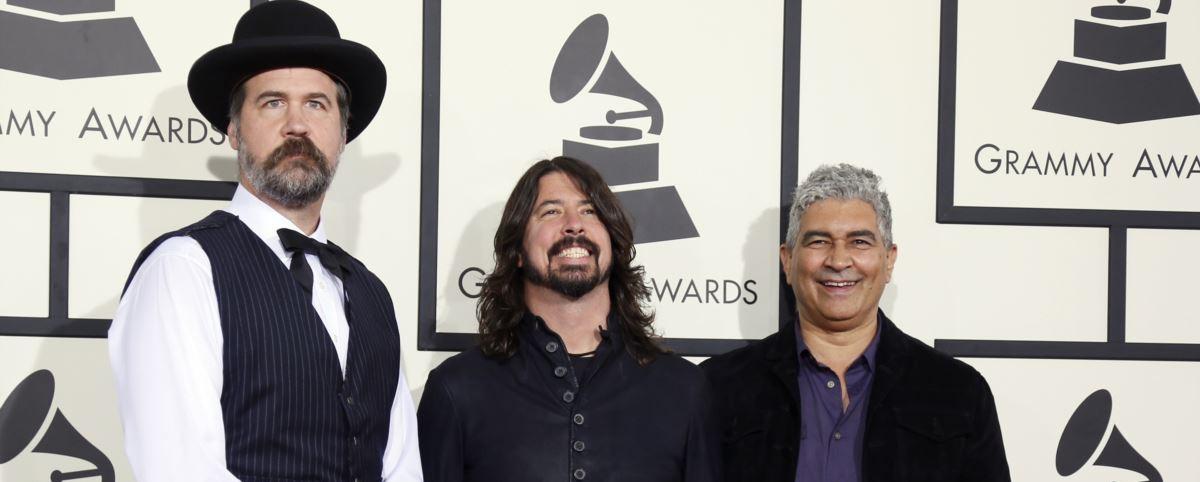 Οι εναπομείναντες Nirvana «ζωντανά» στη σκηνή
