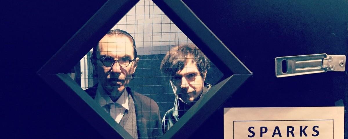 Sparks: Το ντουέτο που θαυμάζουν Morrissey, Sonic Youth, Jello Biafra σε νέες περιπέτειες!