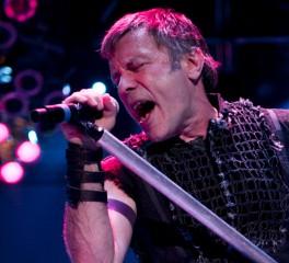 Bruce Dickinson: «Έφυγα για να μη γίνουμε μια βαρετή μπάντα»