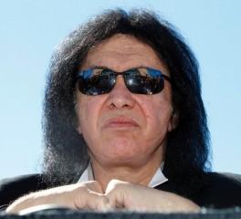 Gene Simmons: «Οι fans ευθύνονται για την κατάρρευση της μουσικής βιομηχανίας»