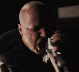 «Ωμή βία» από τους Haunted (video)