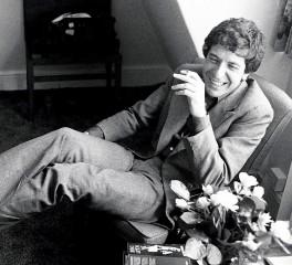 Νέο video με αδημοσίευτα και αρχειακά πλάνα του Leonard Cohen