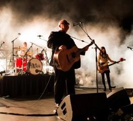 Η πυροσβεστική επεμβαίνει σε συναυλία των Pixies